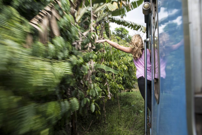 Sri Lanka - me hanging off train